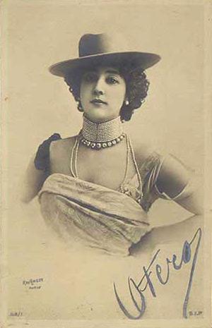 la-belle-otero-autographed-1905-postcard