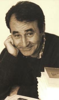 Carlos-Casares-retrato-por-Ricardo-Grobas